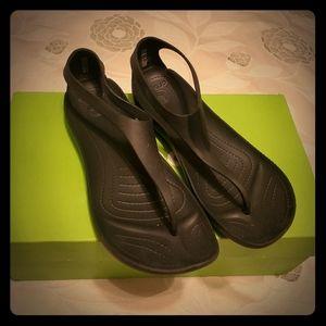 🖤 Cute Crocs Black Sexi Flip Size 9 🖤
